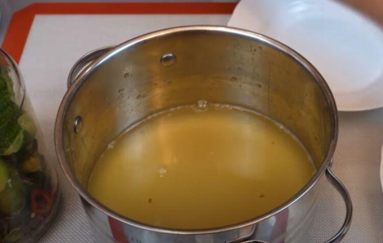 Хрустящие огурцы соленые с горчицей на зиму в литровых банках