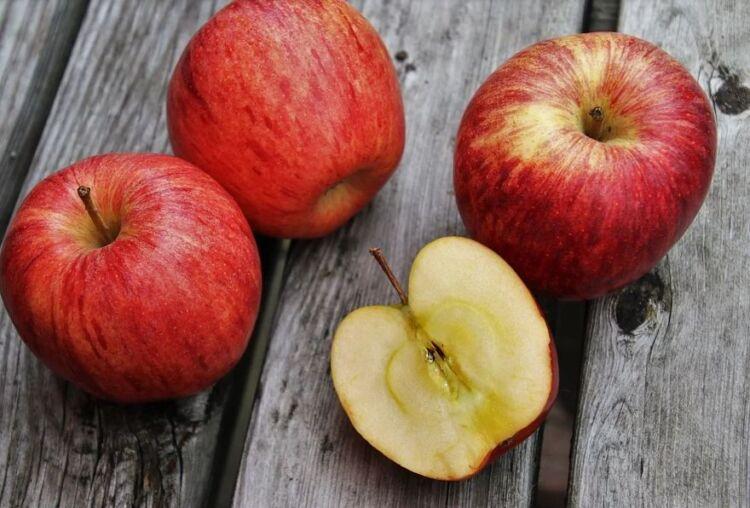 лечение трещин на пятках яблоко