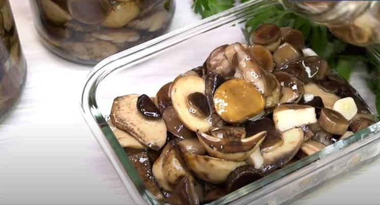 Хрустящие белые грибы с маринадом на 1 литр воды