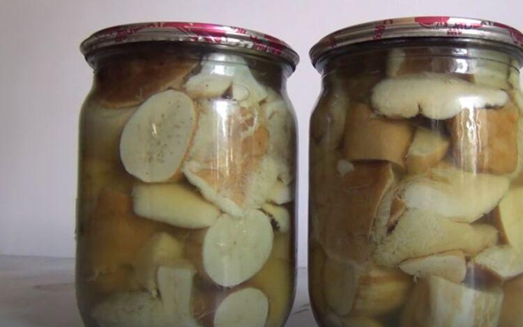 Вкусный простой рецепт маринованных белых грибов с уксусом