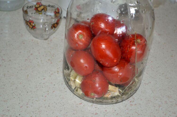 помидоры как бочковые в банках холодным способом с горчицей