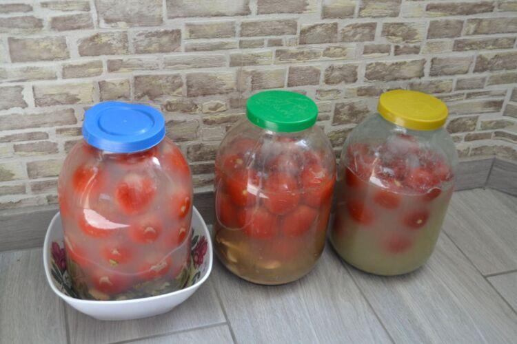 помидоры как бочковые в банках холодным способом