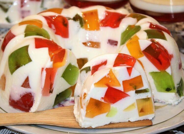 Торт Битое стекло со сметаной и желе без выпечки в домашних условиях