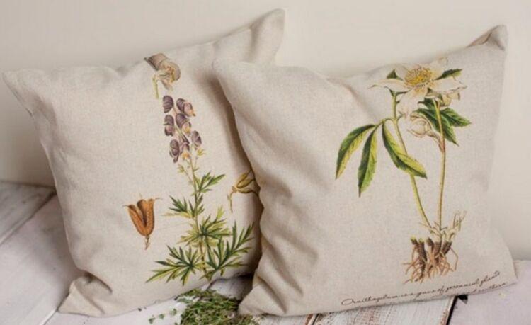 подушка с сосновыми иголками