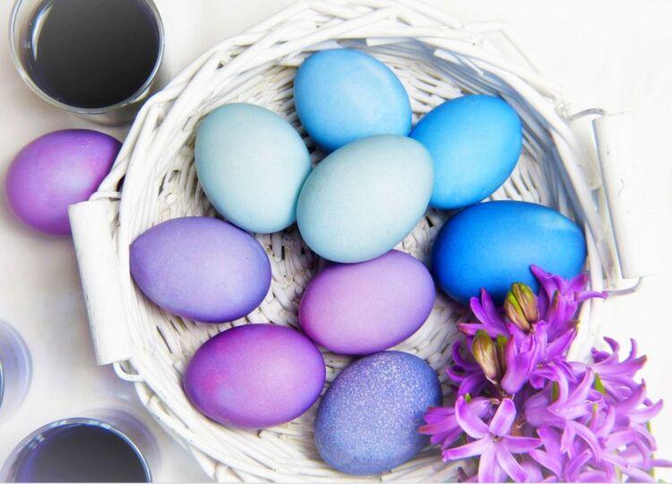 покраска яиц краснокочанной капустой