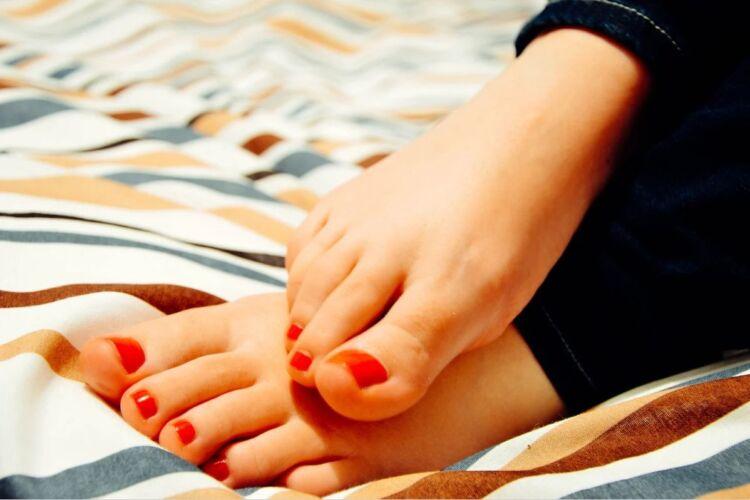как лечить мозоли на ногах