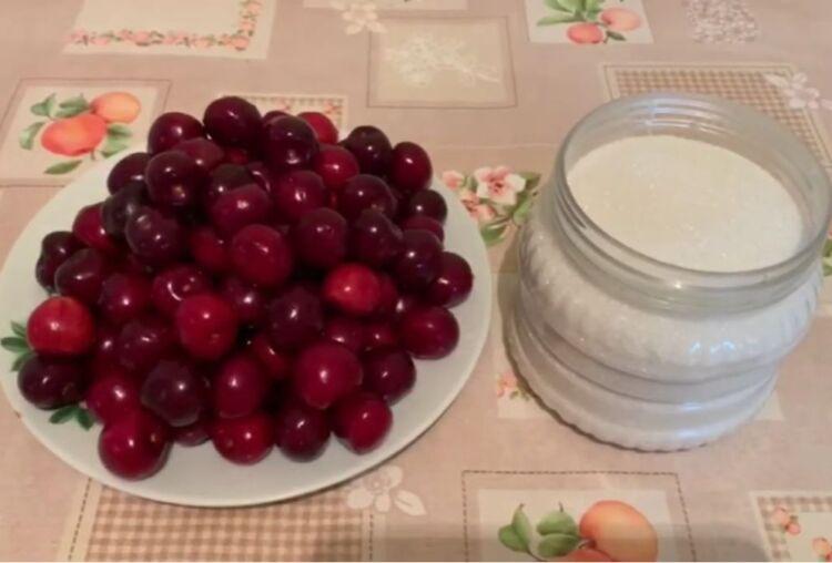 Густое варенье из черешни без косточек с целыми ягодами на зиму