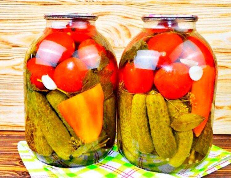 маринованные огурцы с помидорами ассорти на зиму