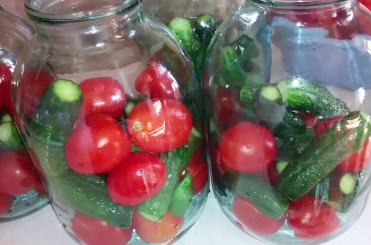 маринованные огурцы с помидорами на зиму в 3 литровых банках