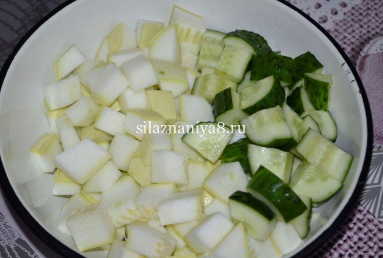 Самый вкусный рецепт огурцов с кабачками