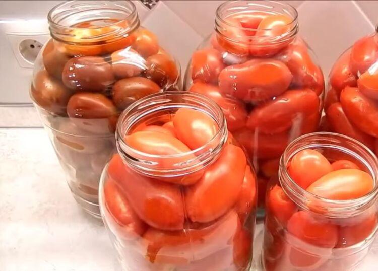 Простой рецепт помидор в томатном соке