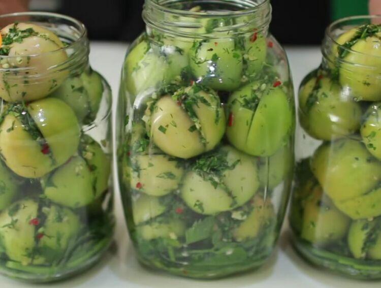 зеленые помидоры фаршированные чесноком на зиму